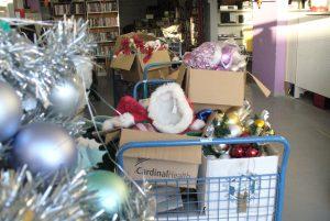 Installation des décorations de Noël